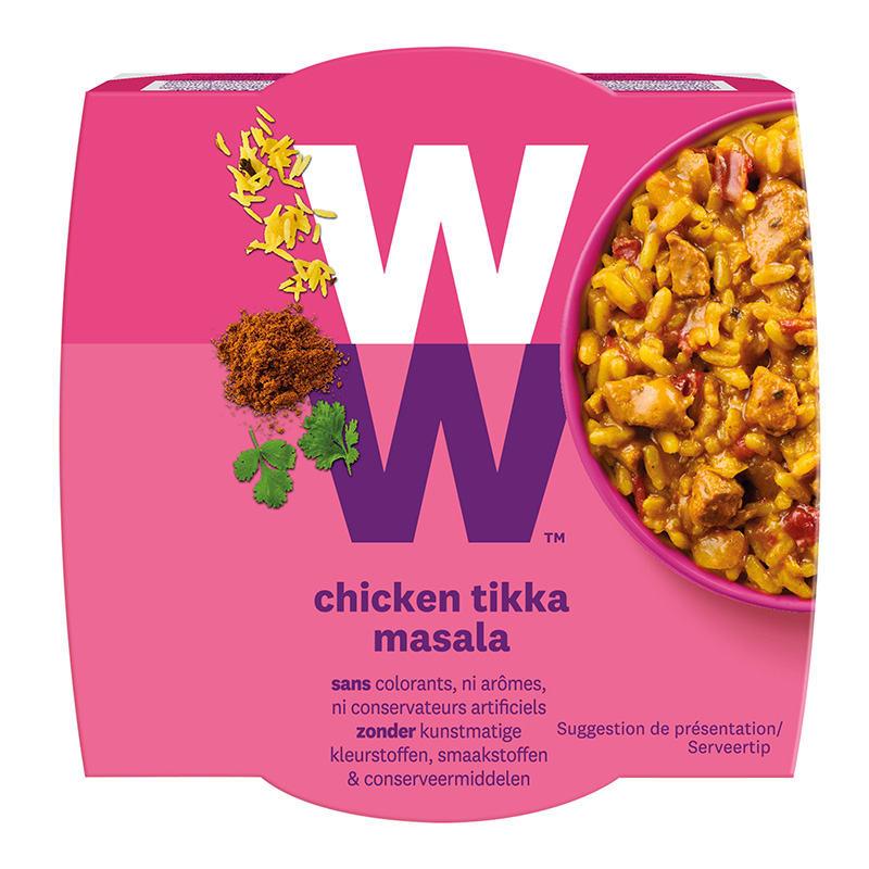 Een portie Chicken Tikka Masala van WW met gekookte zilvervliesrijst met kip in een gekruide tomaten-kokossaus van 280 gram