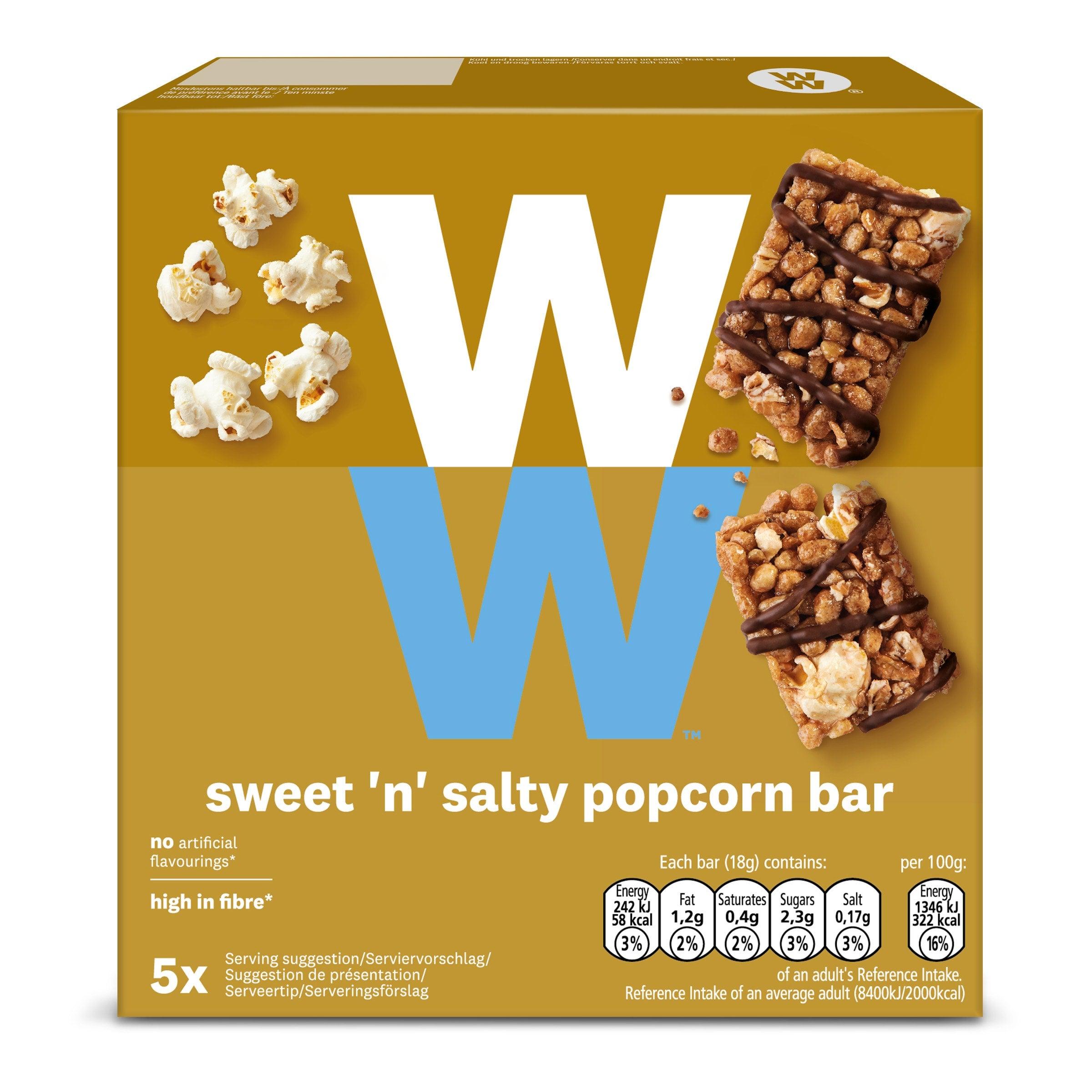 Een verpakking met 5 Sweet & Salty Popcorn Barsvan WW, gemaakt van kanpperige granen, popcorn en een laagje chocolade